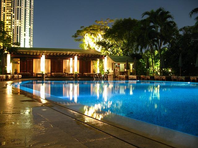 romantika u bazénu.jpg